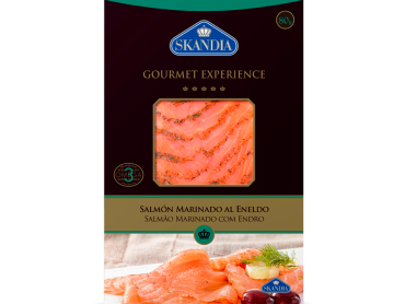 lonchas de salmon marinado con eneldo