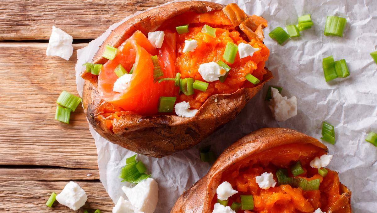 patata rellena con palometa, queso y cebolla