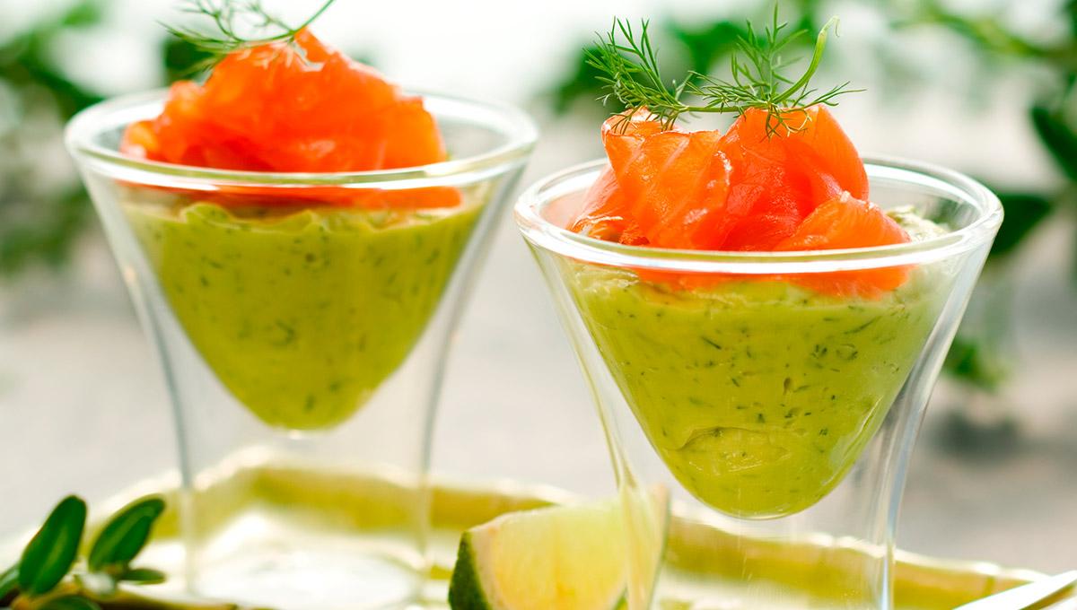 copa de solomillo de salmon ahumado con aguacate