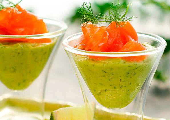 receta canape aguacate y solomillo de salmon